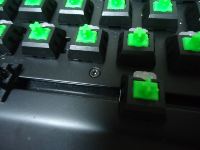 Razer BlackWidow X Tournament Edition Chroma 分解掃除