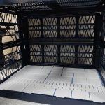 アルティメットコンテナで格納庫風撮影ブース制作(4日目)仕切り板とプラ板で床面追加