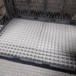 アルティメットコンテナで格納庫風撮影ブース制作(7日目)土台を100均のメッシュボードに交換